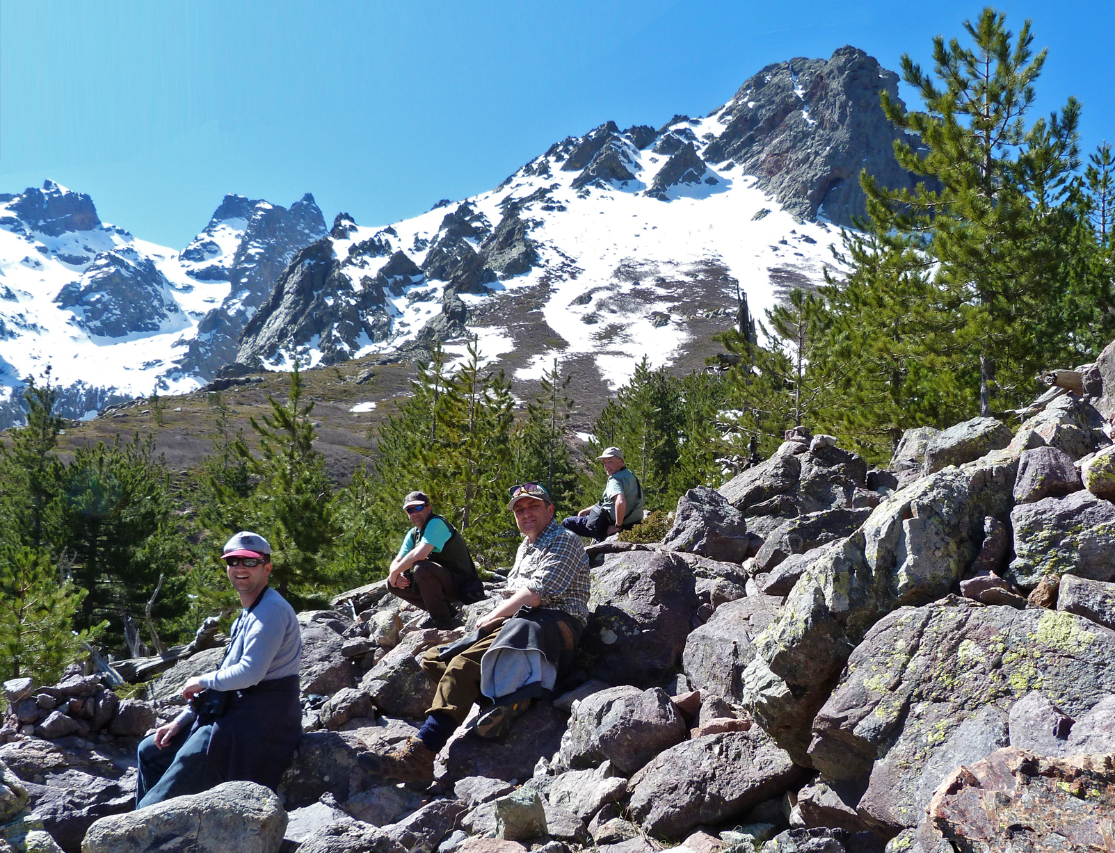 BUBO lads taking a rest on the Haute Asco trail