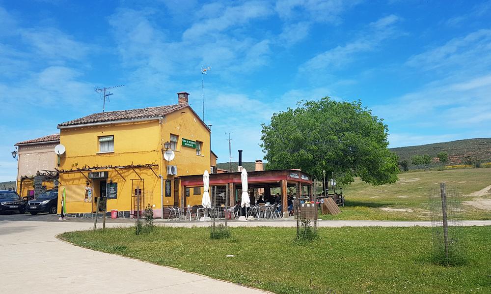 Lunchtime café, Montfrague, 13 Apr 19