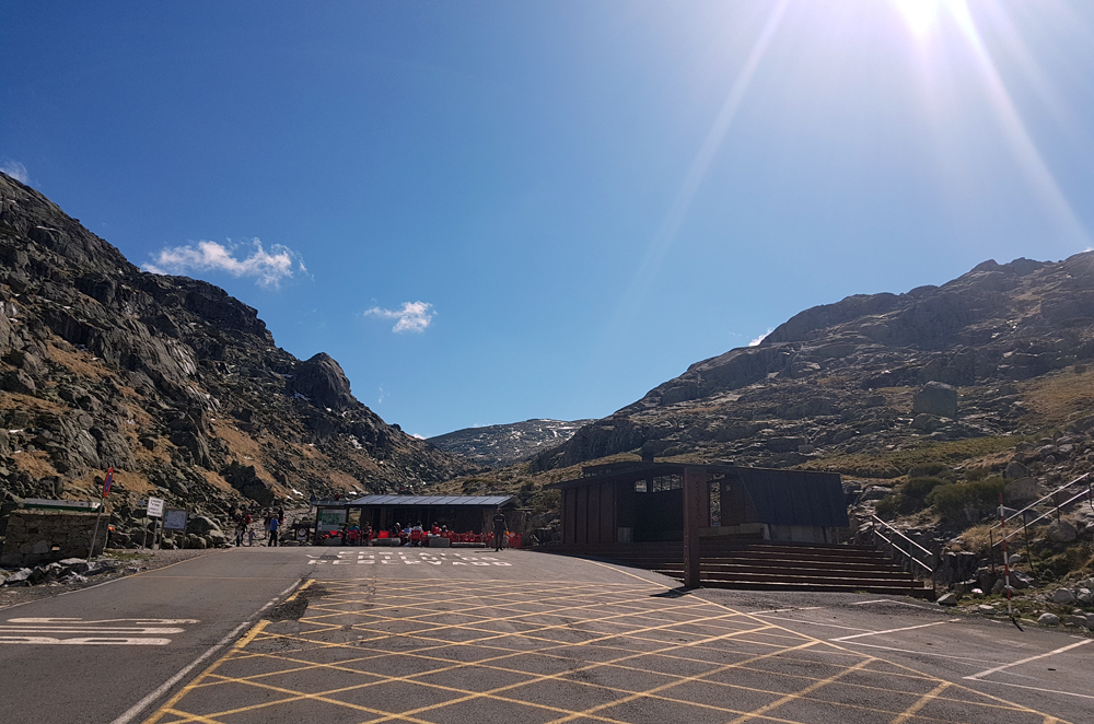 Looking up from the car park at Plataforma de Gredos, 14 Apr 19