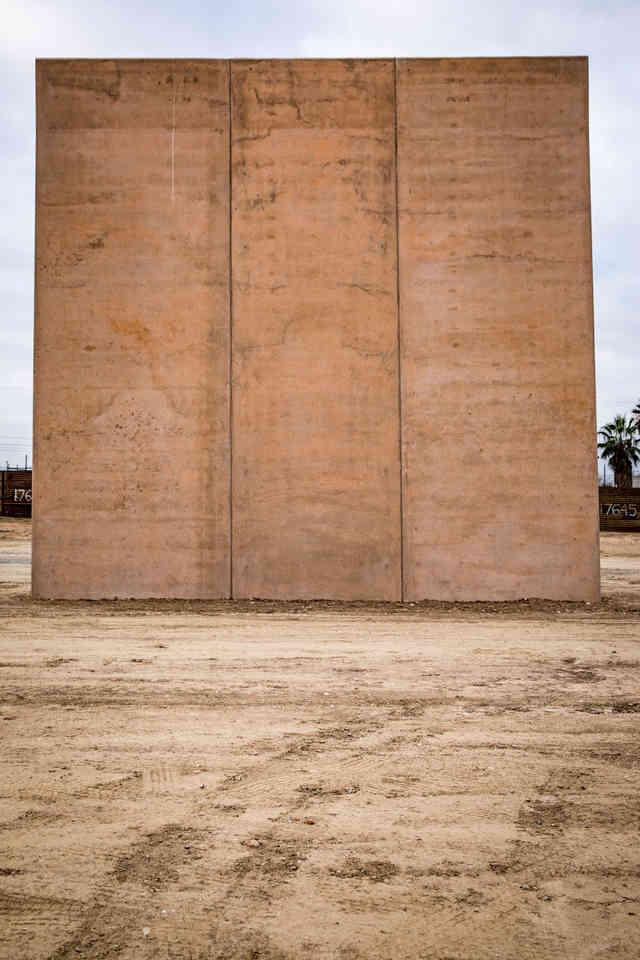 063-borderwall-320_x2.jpg
