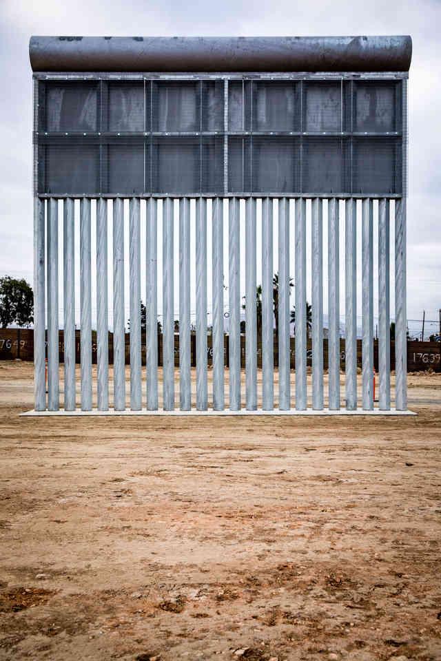 054-borderwall-320_x2.jpg