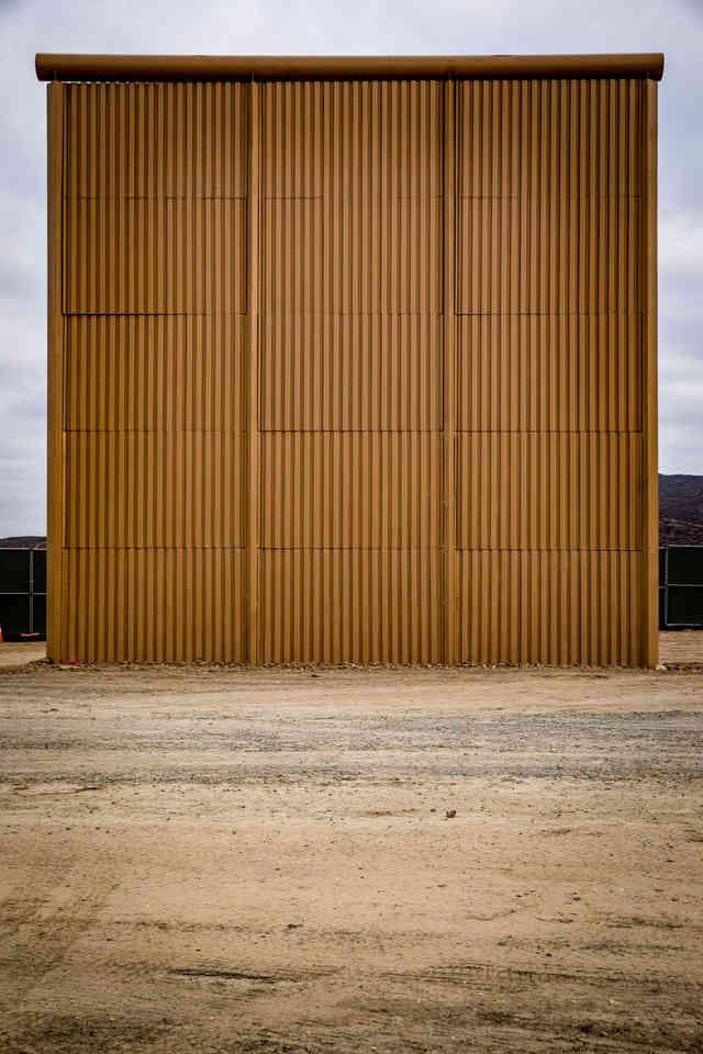 002-borderwall-320_x2.jpg