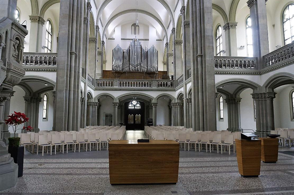 Matthauskirche Stuttgart organ.jpg