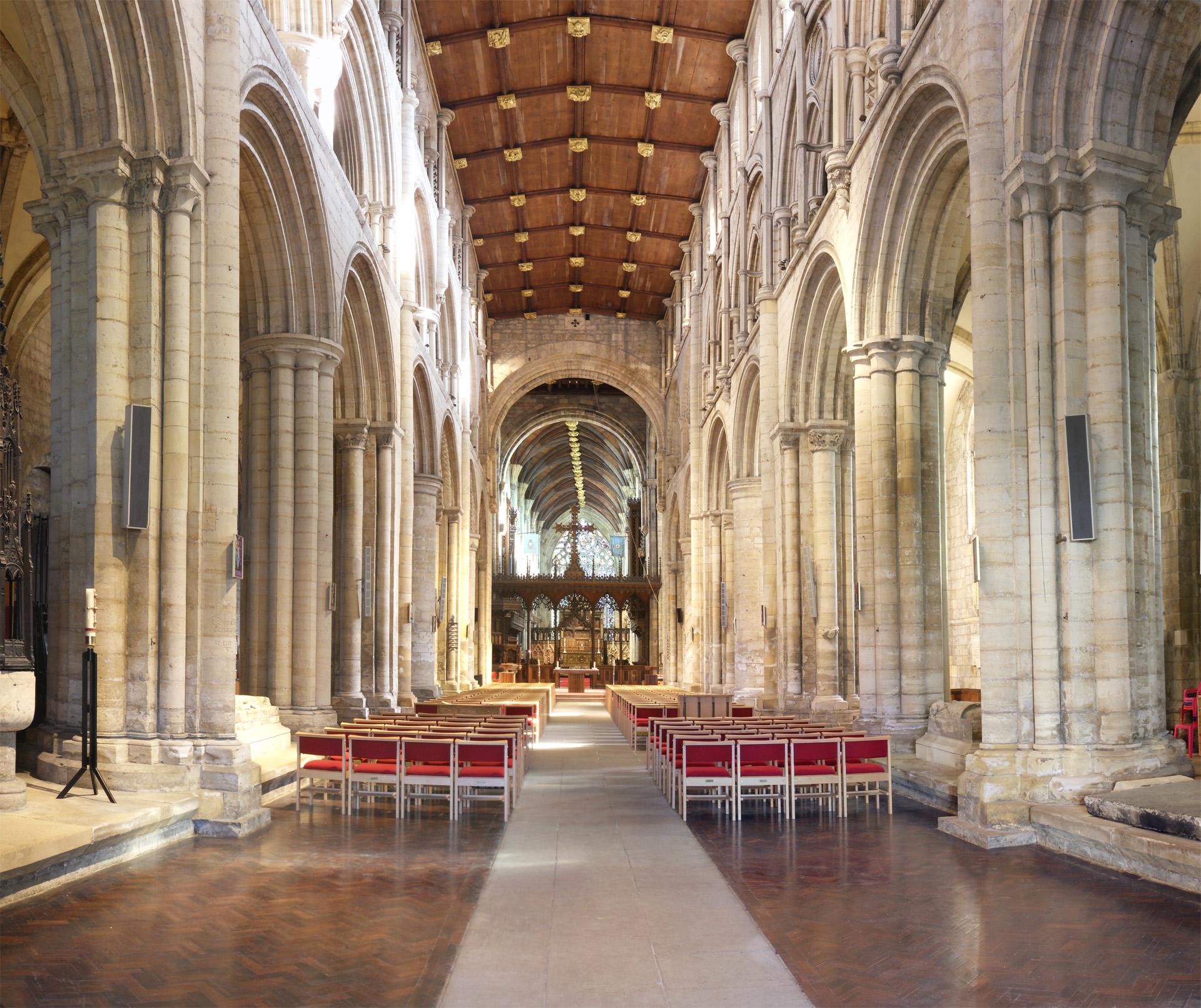 Selby Abbey interior 3.jpg