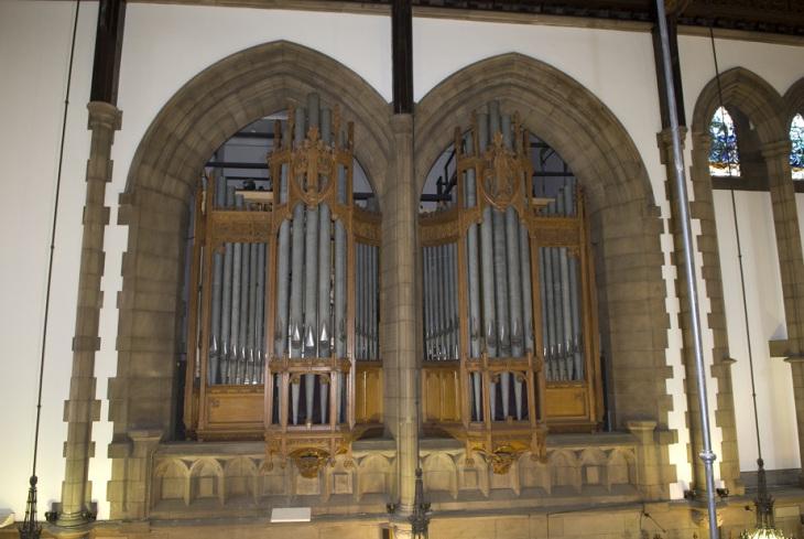 University of Glasgow Memorial Chapel - Willis Organ.jpg