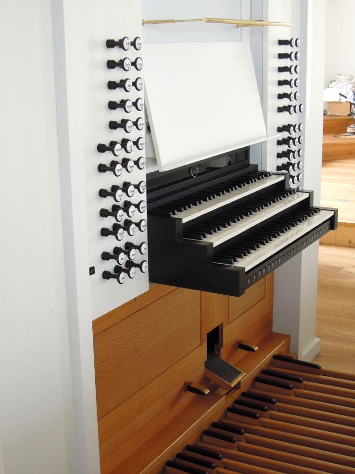 Organ Console.jpeg
