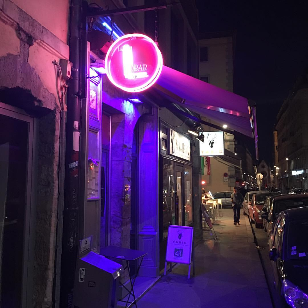 Le  L Bar , Lyon's exclusive lesbian hangout spot. Have a few drinks here before spending a wild night dancing at the only remaining lesbian dance bar in France, Le Marais. Or just stay here the whole night.
