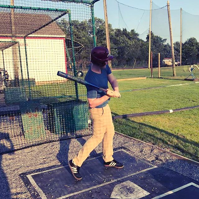 Taking some practice swings in the Hamptons...never made it to playing for the Yankees haha, but did end up going to school at Michigan. This photo of younger me from Madeira Ohio never would have guessed that despite the hat! . . . #baseball #yankees #sunday #michigan #goblue #ohio #madeira #hamptons #beachday #beach #battingcages #batterup #guy #newyork #midwestern #midwesterners #latergram
