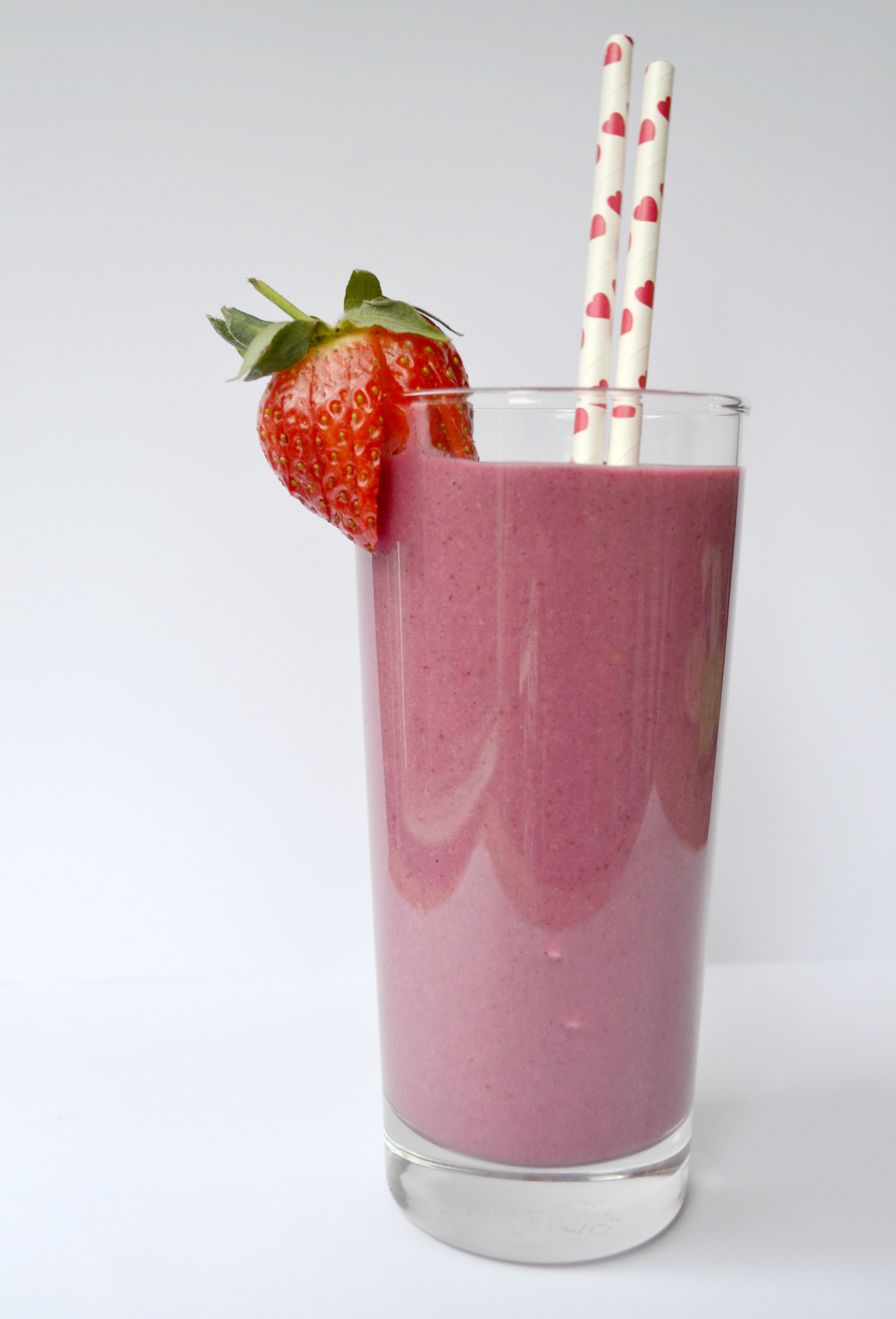 Valentine's Smoothie | The Flourishing Pantry | yeast free diet blog