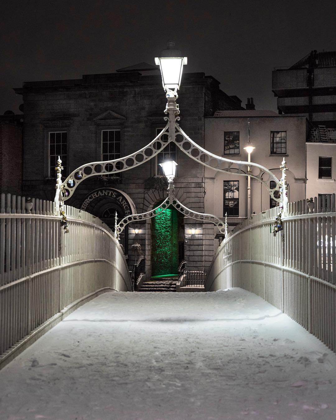 Gorgeous shot of the snow in Dublin from  Freddy of Raw Dublin