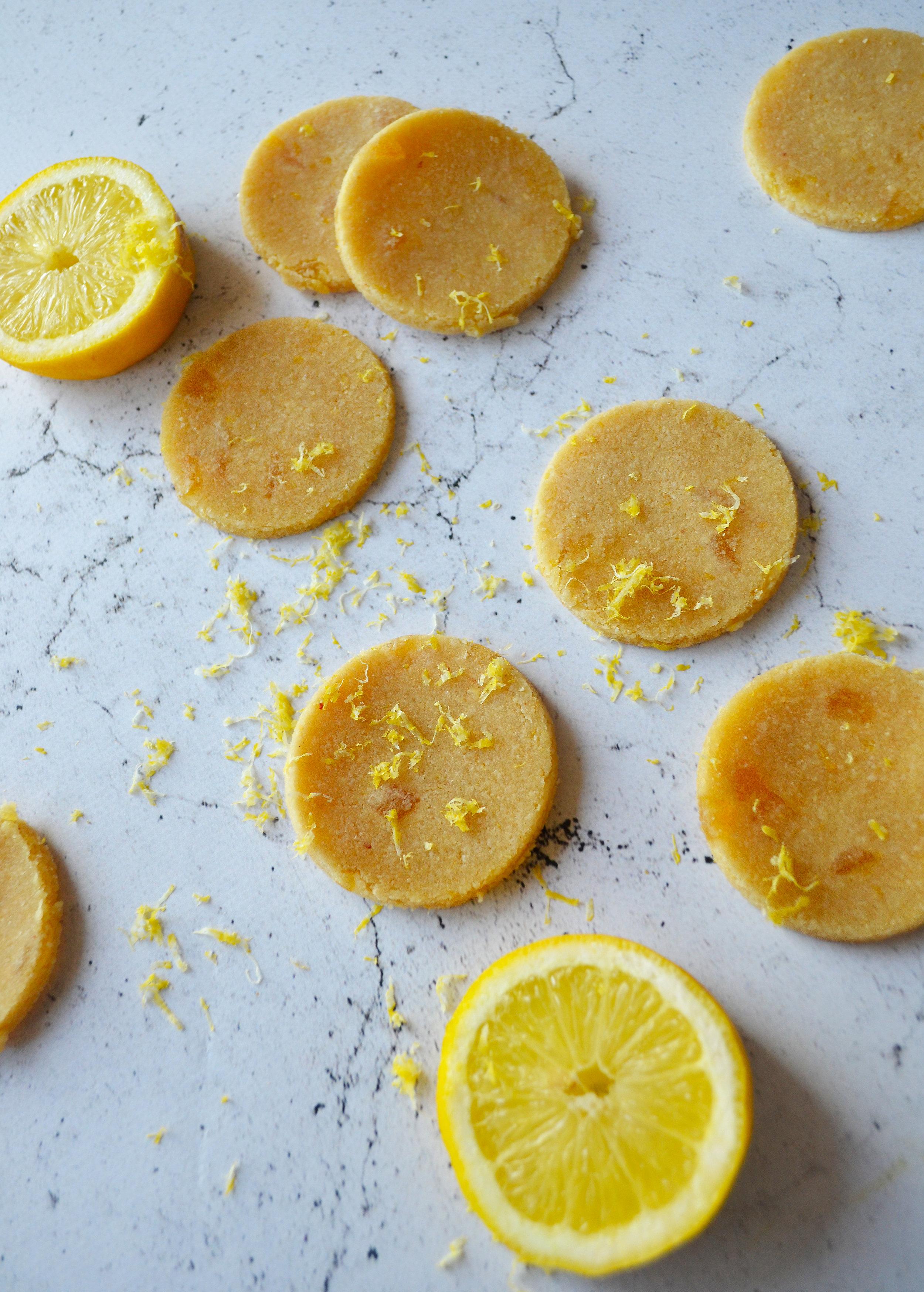 Raw lemon and ginger cookies | The Flourishing Pantry