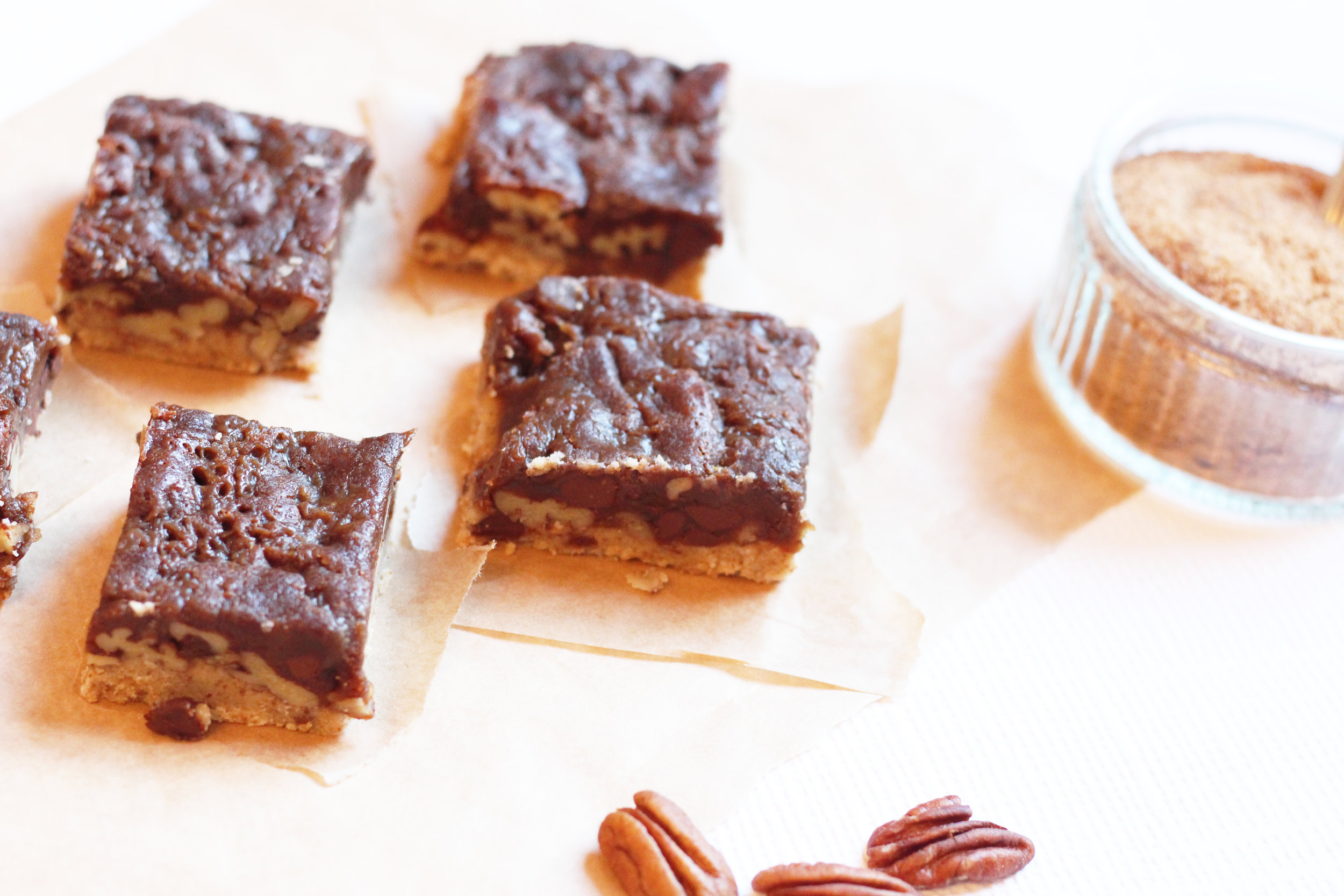 Healthy Pecan Pie Bars | The Flourishing Pantry