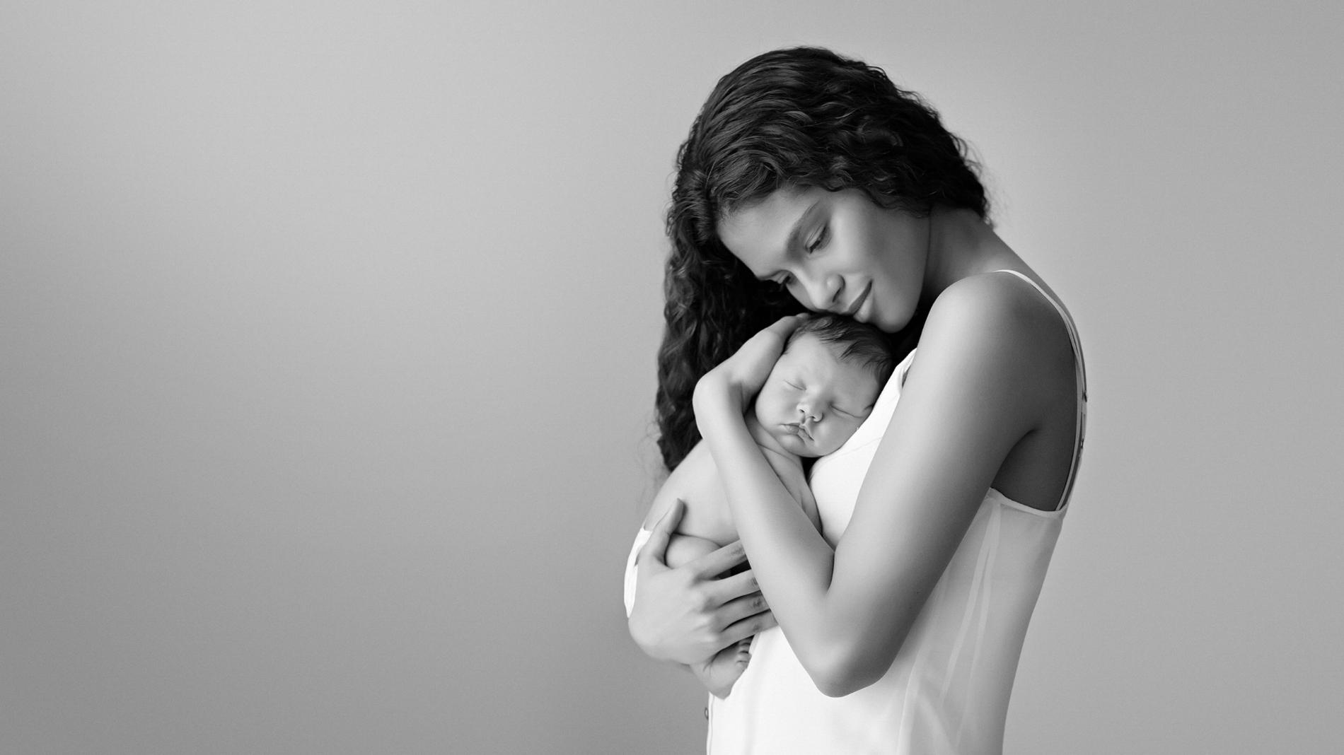 Artistic newborn photos