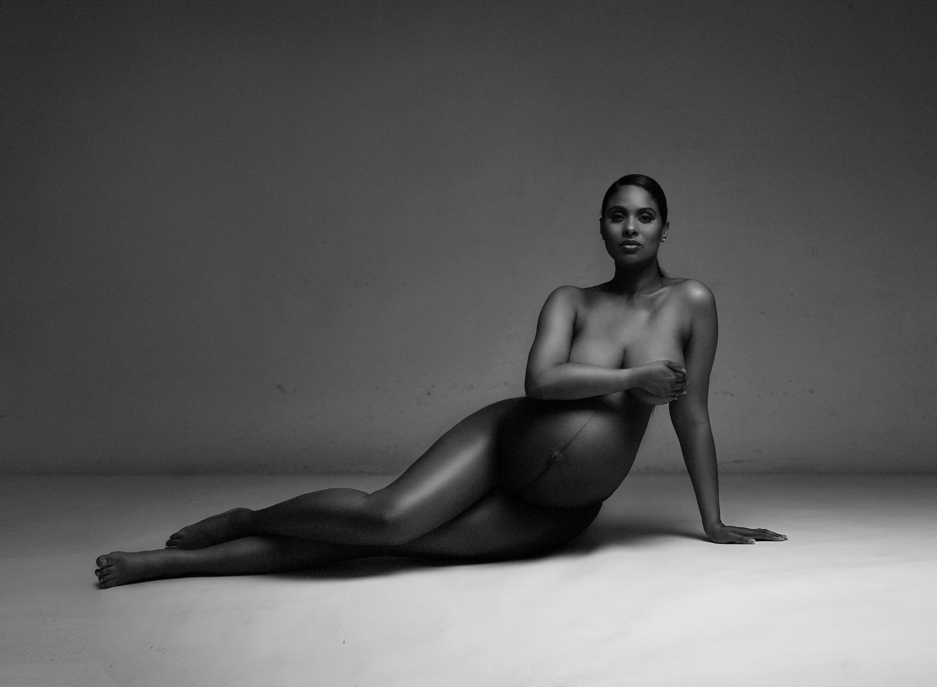 nude pregnancy photography