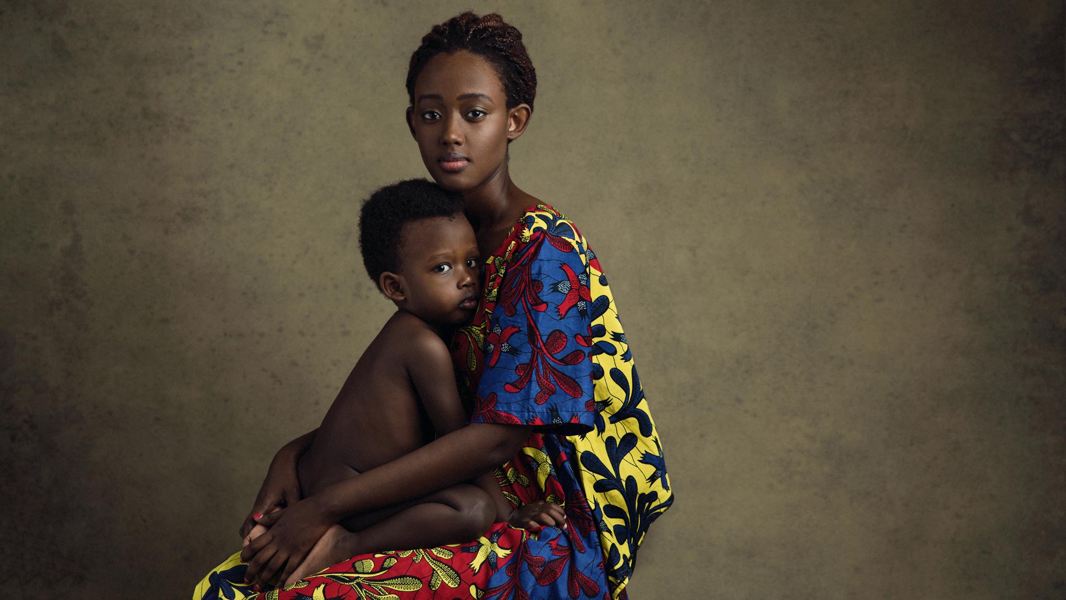 Lola Melani Motherhood Portraits