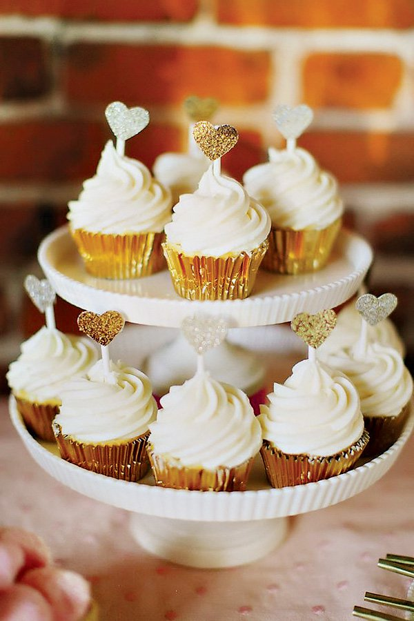 Cupcakes:  Best Friend for Frosting  Photography:  Milou and Olin Photography