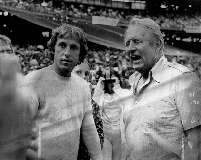 Fran Tarkenton (left) and Art Linkletter. © Star Tribune.