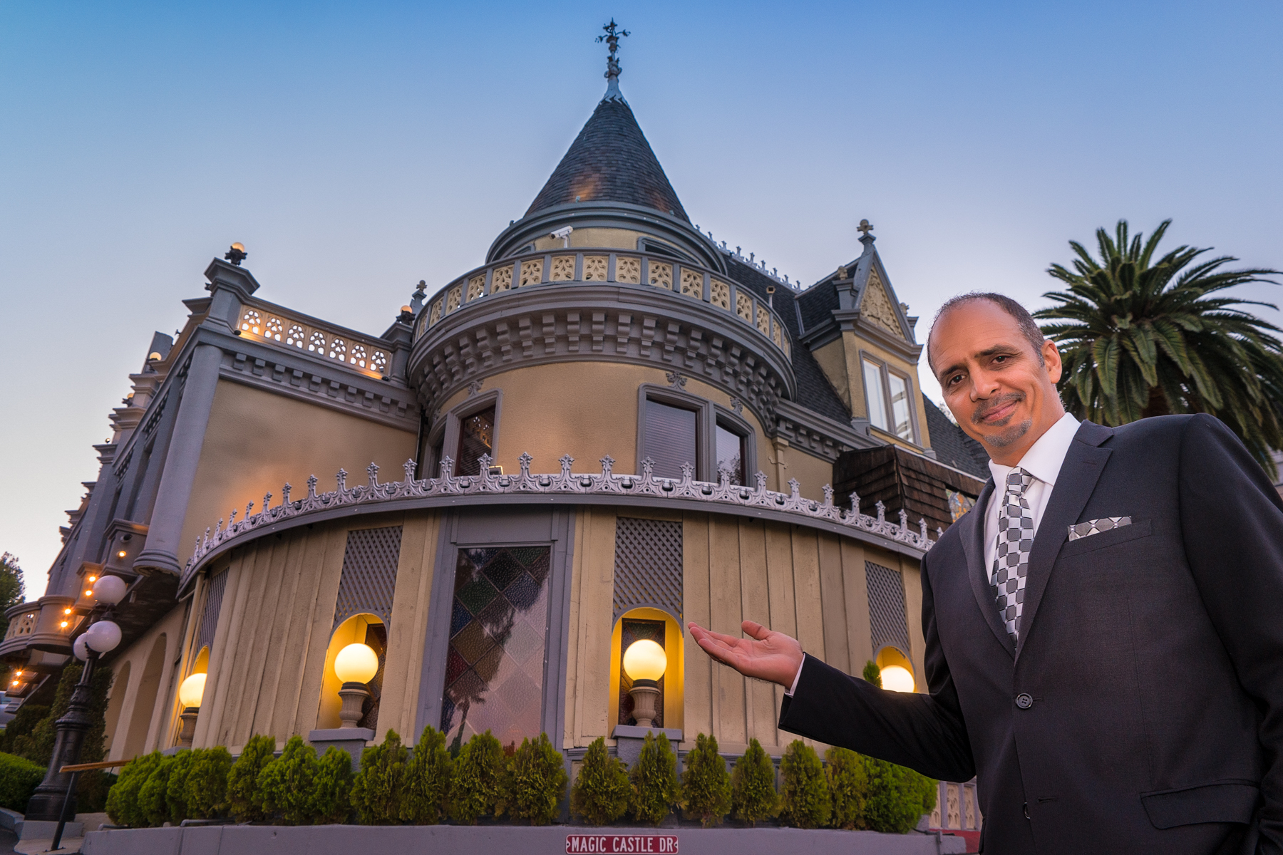 Los Angeles Magician Gregory Wilson at The Magic Castle in Hollywood, CA