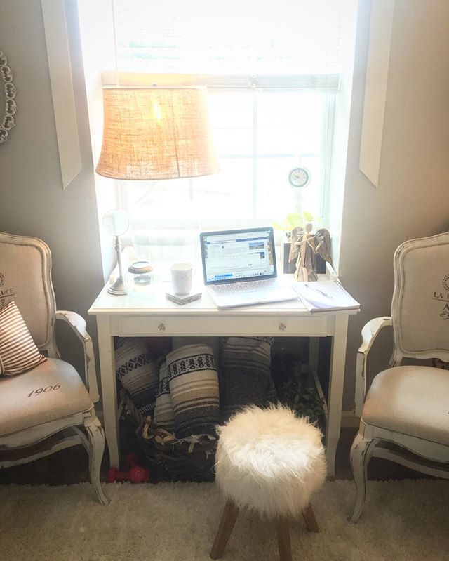 Today's office started at my desk, moved to the couch and now I've a make shift work space at the window. . . . . #creativelife #smallbiz #bosslady #entrepreneurlife #girlboss #dowhatyoulove #workfromanywhere  #downtownfranklin #flashesofdelight #nashville #womeninbiz #work #design #livingfranklin