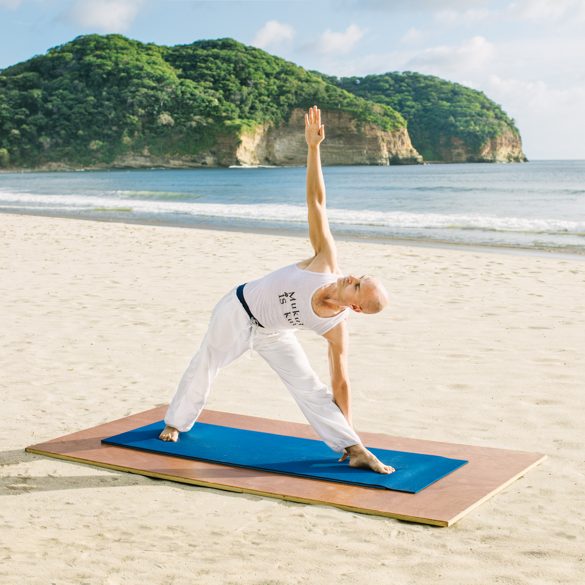 Mukul-Yoga-Triangle-Pose