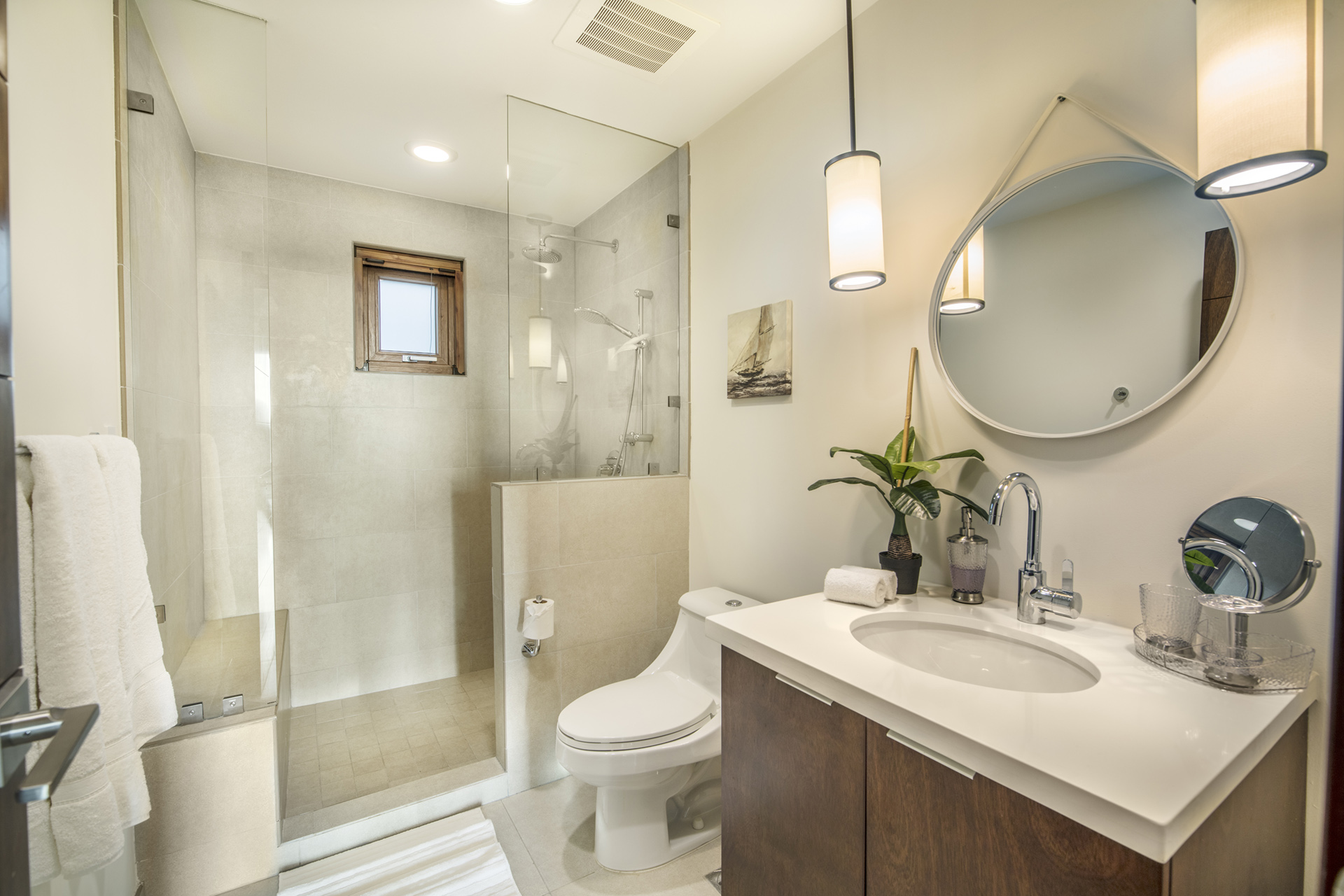 Las Terrazas Bathroom.jpg