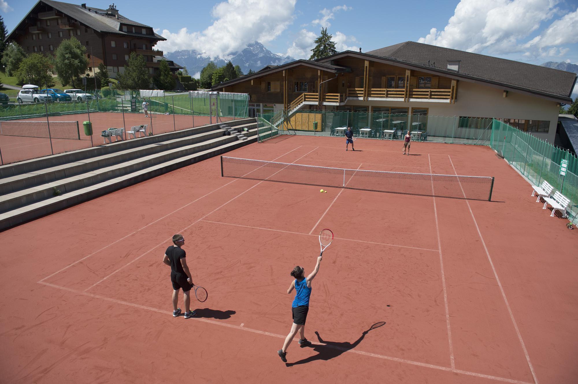 tennis villars.jpg