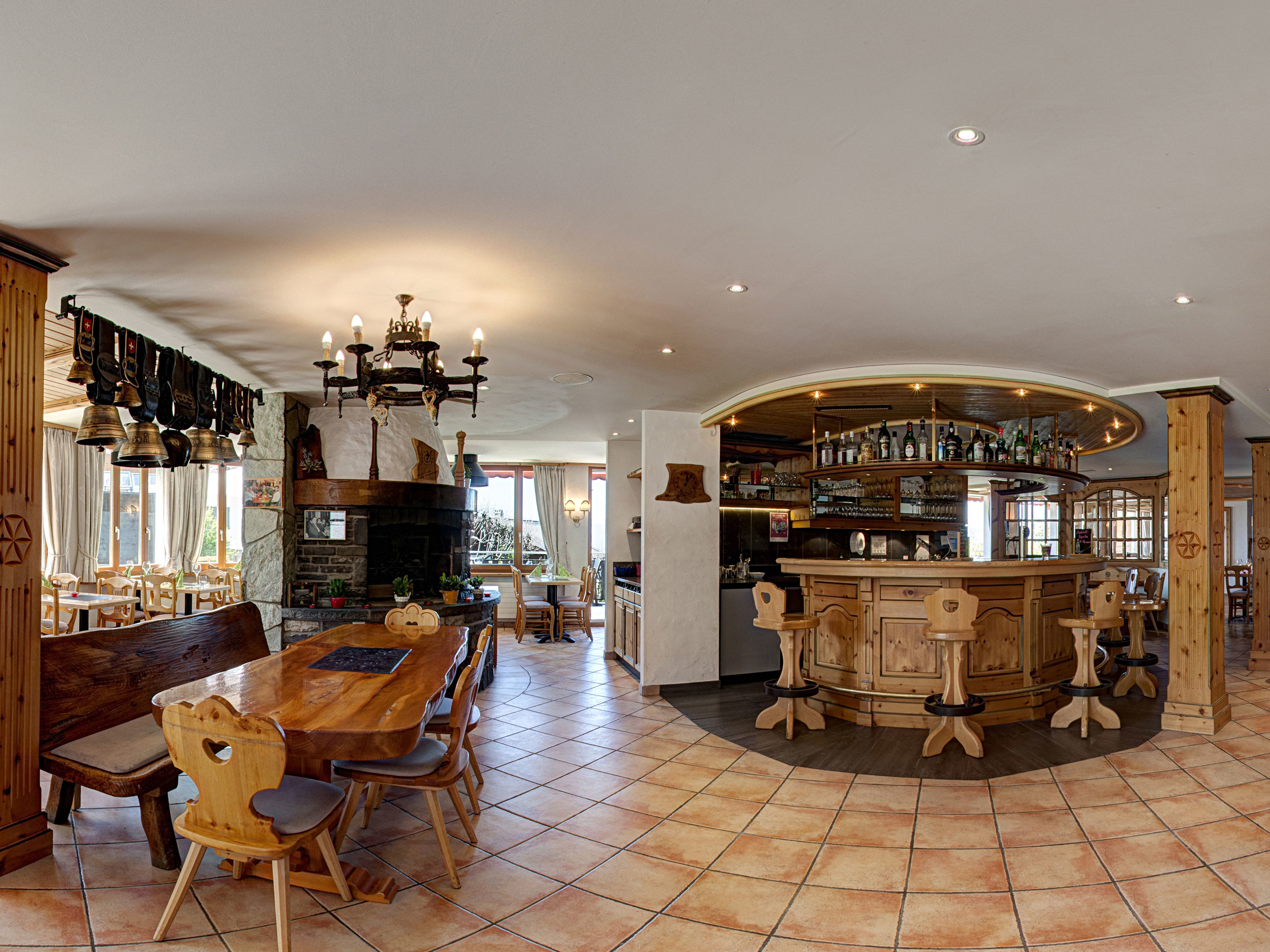 Restaurant- bar 2.jpg