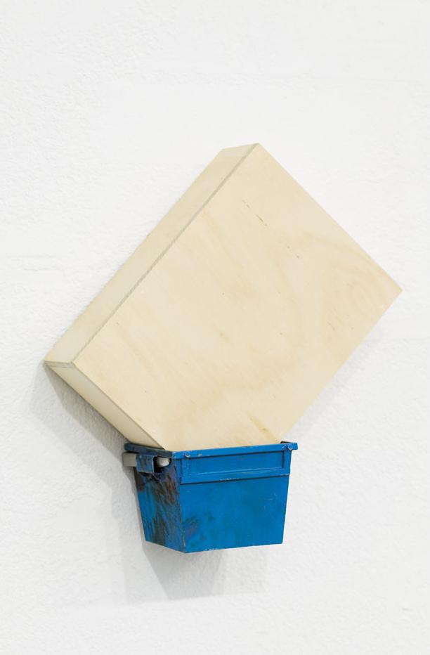 CATCH Enamel on Steel & Brass, Plywood 37 x 33 x 13 cm