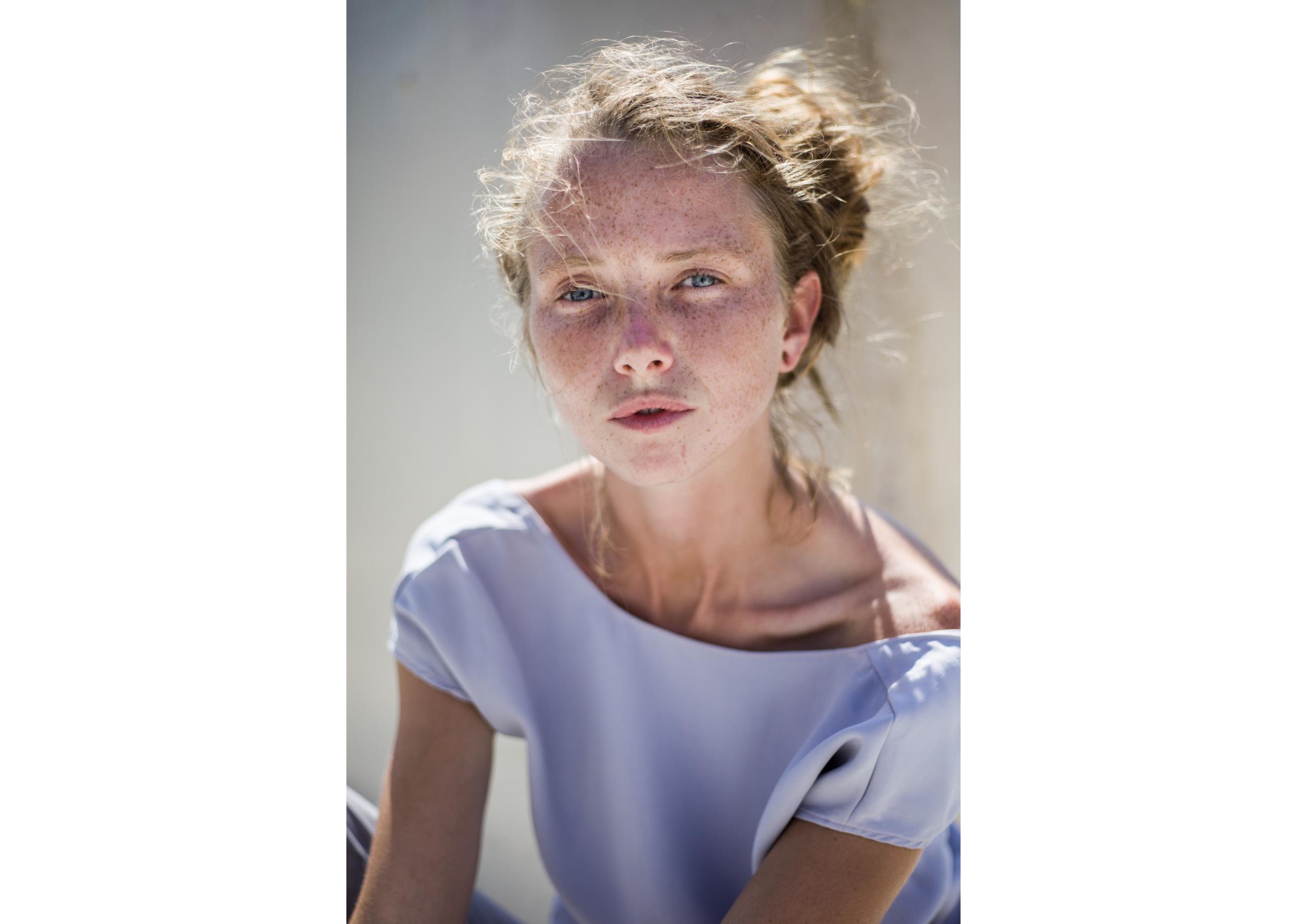 Marion portrait argenté louise lorthe.png