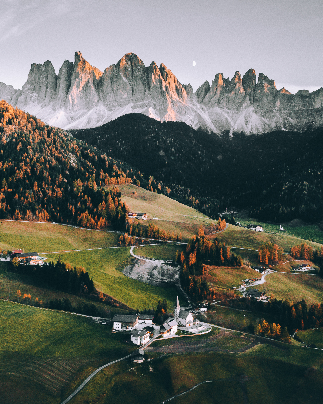 Dolomites from above Airpixels 3.jpg