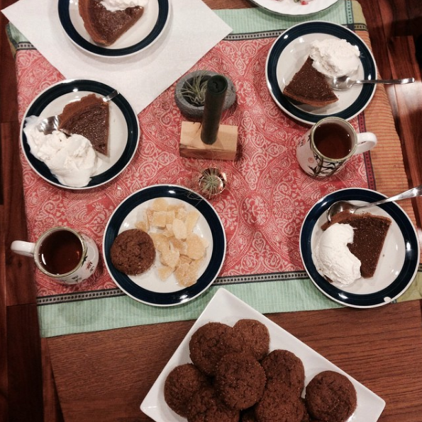 Ginger-Molasses-Cookies-Vegan-Pumpkin-Pie.jpg