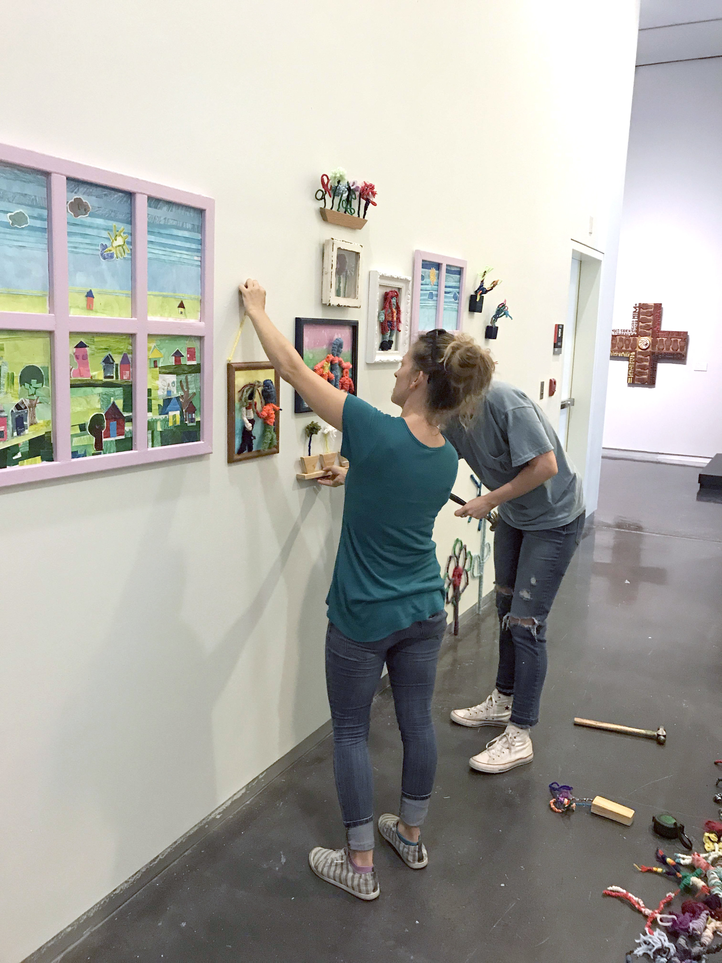 Mary Ratcliff installs Gather and Grow at LSU MOA