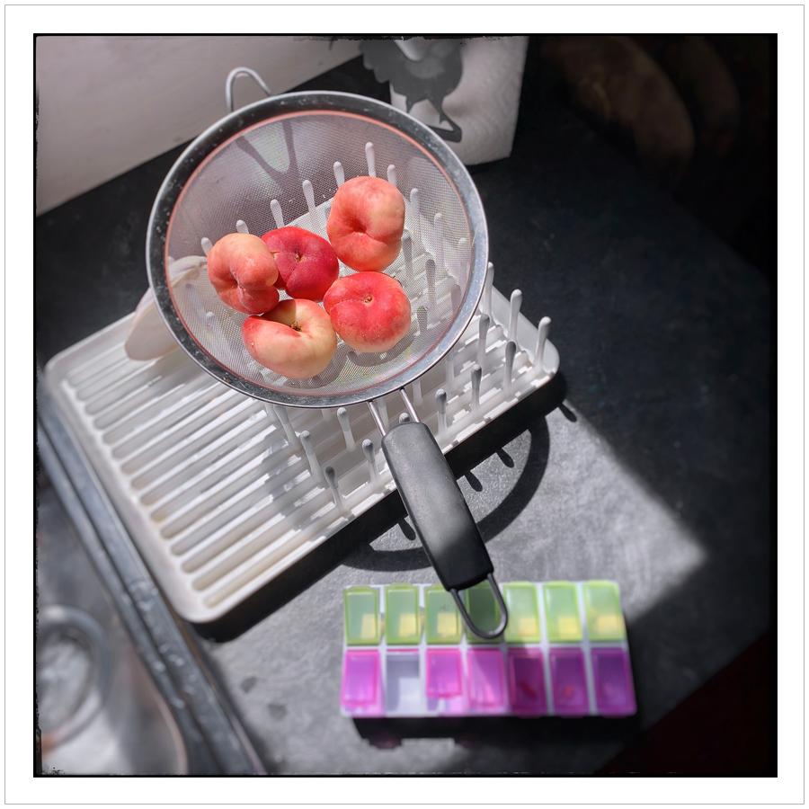 peachessunlite.jpg