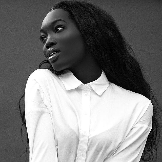 @doraowusu . . . . . . #blackandwhite #bw #photography #melanin #blackgirlmagic #fashion #modellife #portrait #blackgirlexcellence #blackandwhiteportrait #melaninqueen #blackhistorymonth