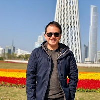 Eddy Huang - Director of Operations   Eddy Huang likes hiking and videography. During his free time, he likes traveling around the world. He is planning to major in Informatics and minor in Entrepreneurship.