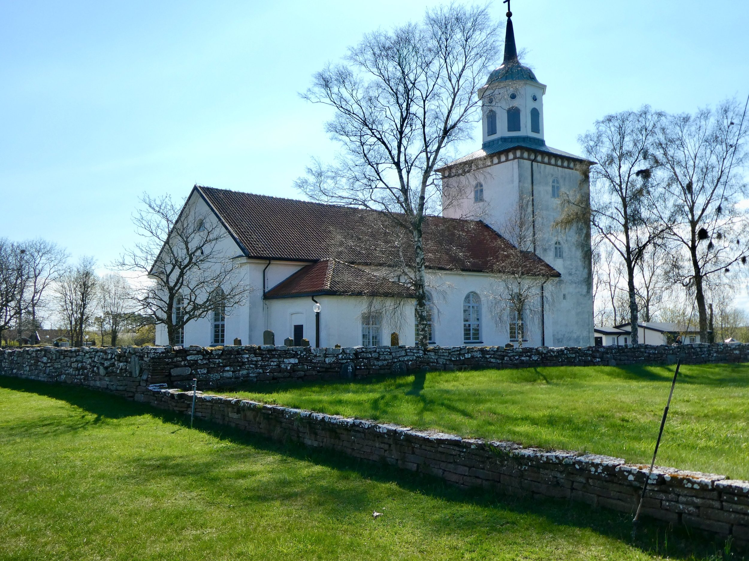 Lots of churches, thatched cottages, and Viking burial sites to see in Öland.
