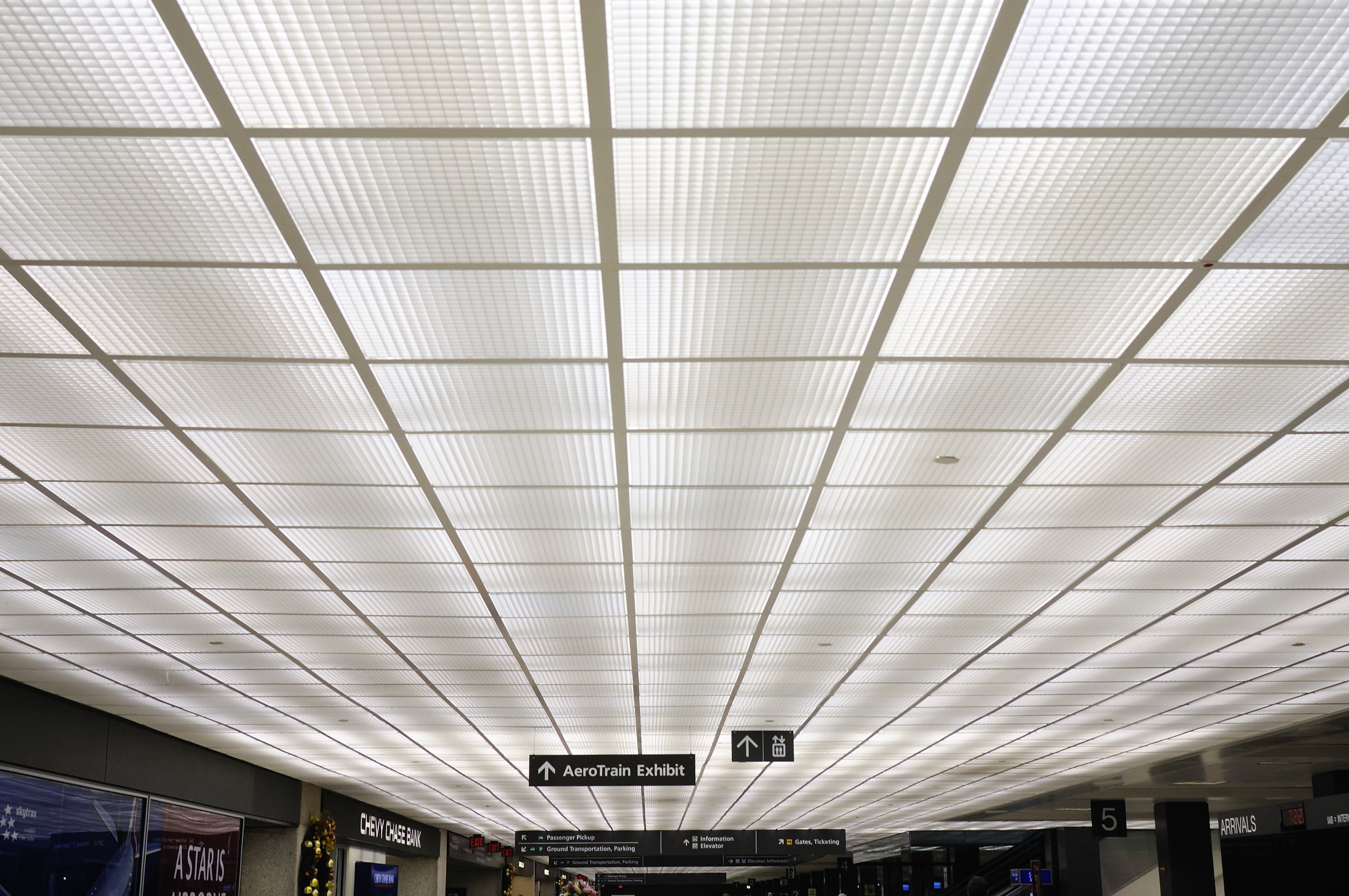 Luminous ceiling on lower level. ( Photo by flickr user Ralph Hockens  via Creative Commons, CC BY 2.0)