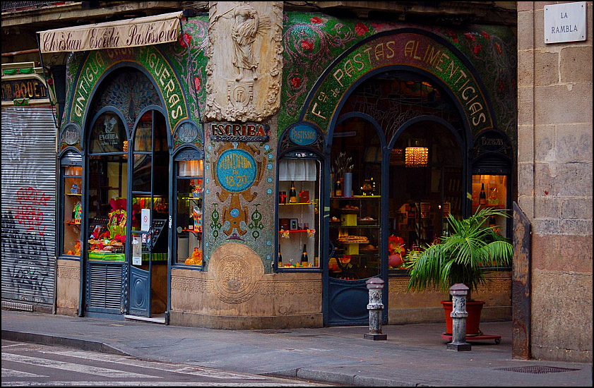 One of the protected businesses in Barcelona. (Photo by  flickr user Jaume Ventura  via Creative Commons, CC BY-SA 2.0)