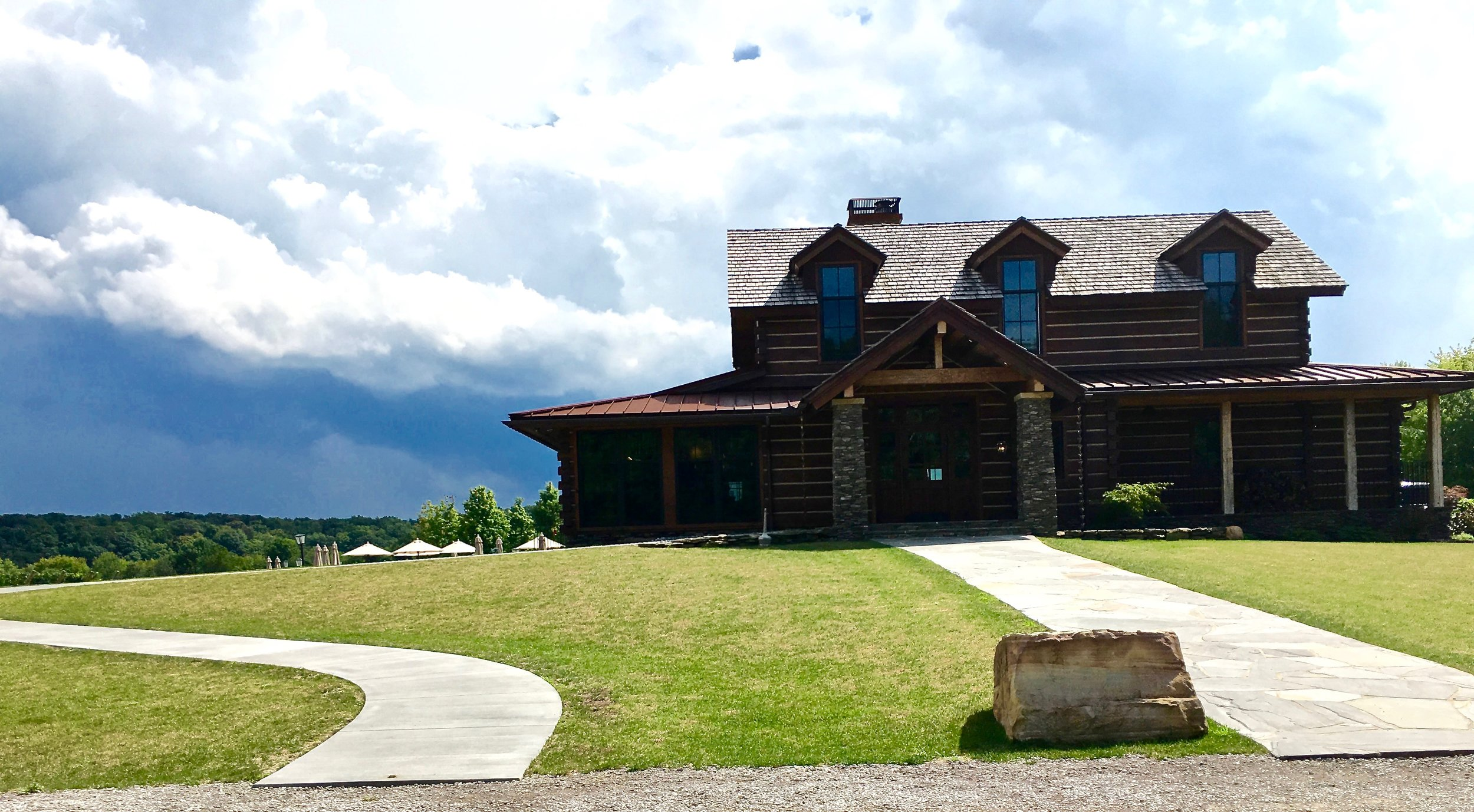 Entrance to Laurentia winery