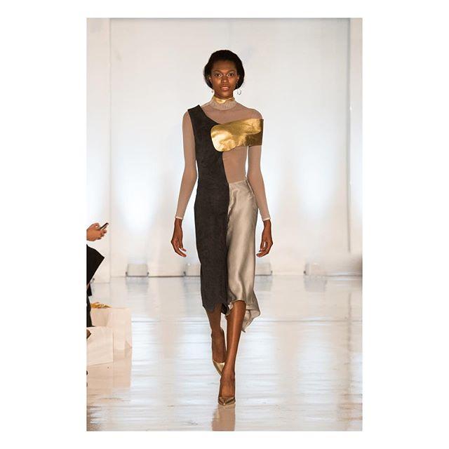 Breathtaking 🙌🏼 the Kenza dress . . . . . @oxfordfashionstudio  #oxfordfashionstudio #pfw2017 #paris #nyfw #newyork #studio450 #gold #leather #suede #silk #mesh #dress #fashion #runway #OFS