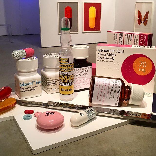 Feeling like Alice 💊 Damien Hirst . . . . . #artbasel #artbaselmiami #artbasel2017 #pills #healthandscience #scalpel #artmiami #damienhirst #uk #miami #medical