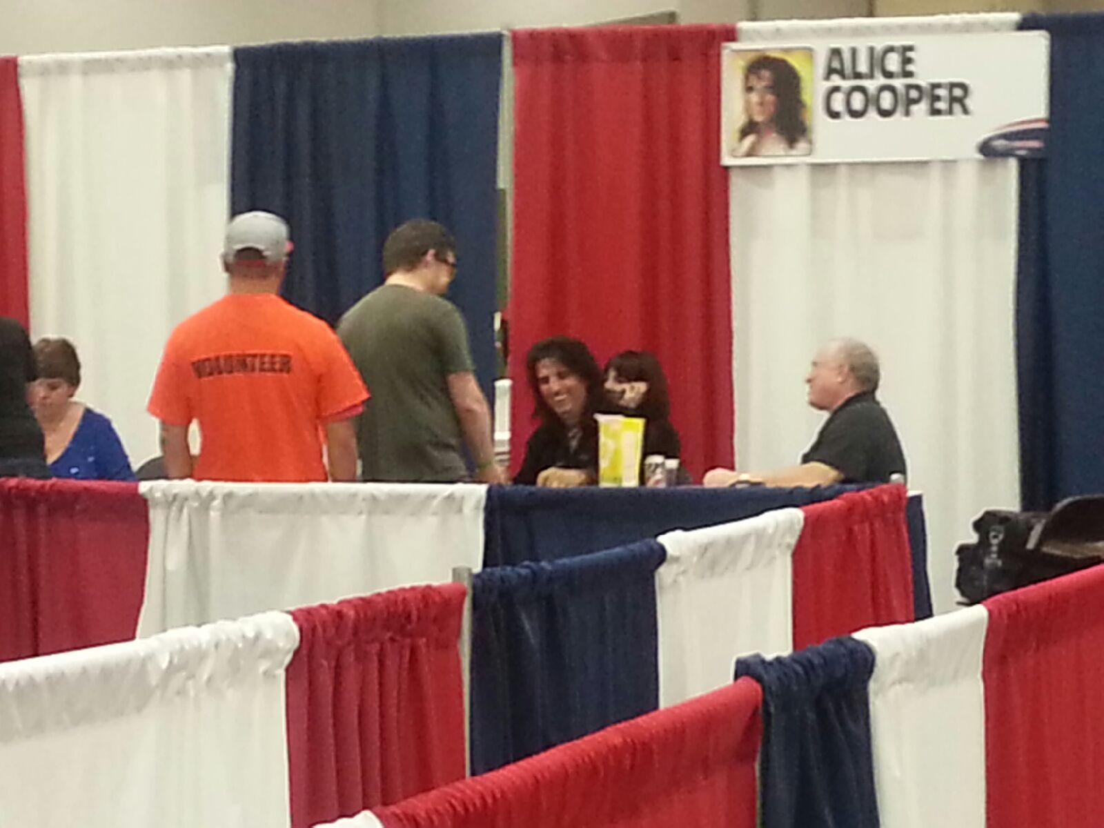 Alice Cooper enjoys our Doc Popcorn!