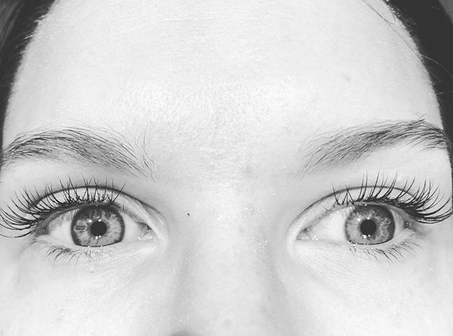 Classic, natural lashes for Kate for her honeymoon #classiclashes #pretty #lashes #lashextensions #honeywaxandtan #northcote