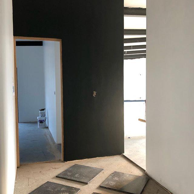 Prep for the timber & terrazzo inlay floor coming 🙌🏻 . . . #studiomitchellinteriors #studiomitchell #interiors #interiordesign #terrazzo #geometricfloor #blackandwhite #ballitodesigner #rennovation #homesweethome #architecture #localzadesign #sitevisits