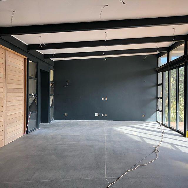 The grand doors 🚪 . . . . #studiomitchell #studiomitchellinteriors #interiordesign #interiordesigner #ballitodesigner #dunkirkestate #rennovation