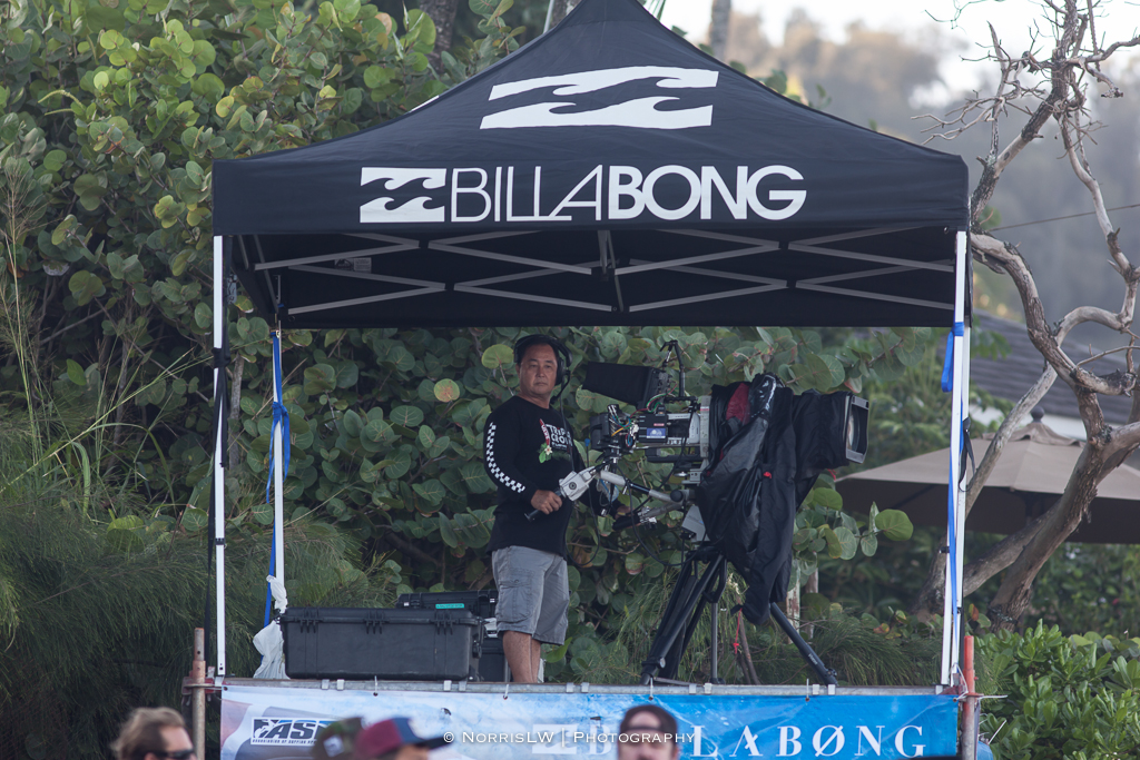 BillabongPipeMasters-20131214-011.jpg