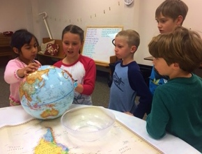 Tracing migration pathways on the globe small.jpg