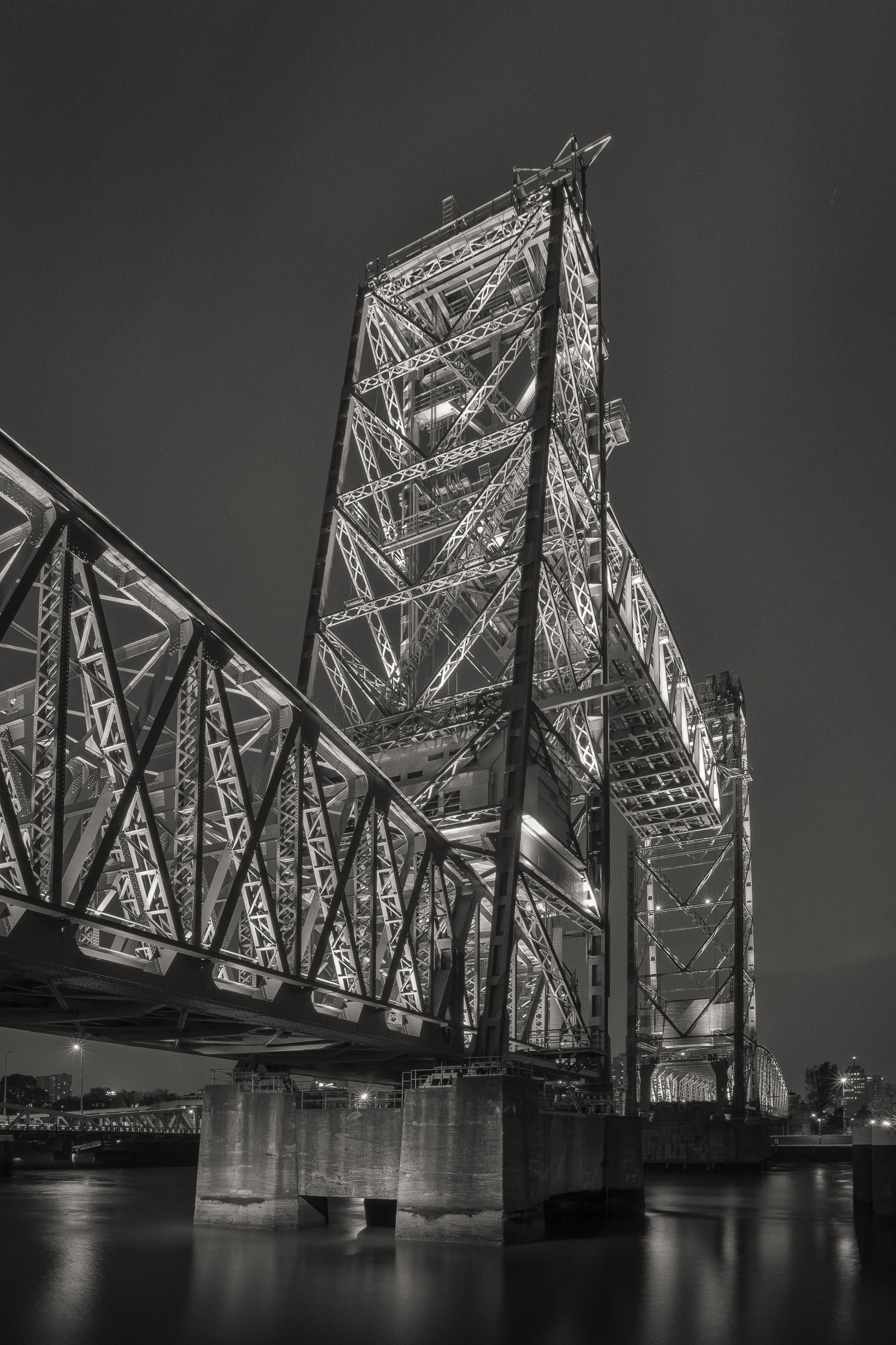 former trainbridge 'De Hef' by night (Monochrome)