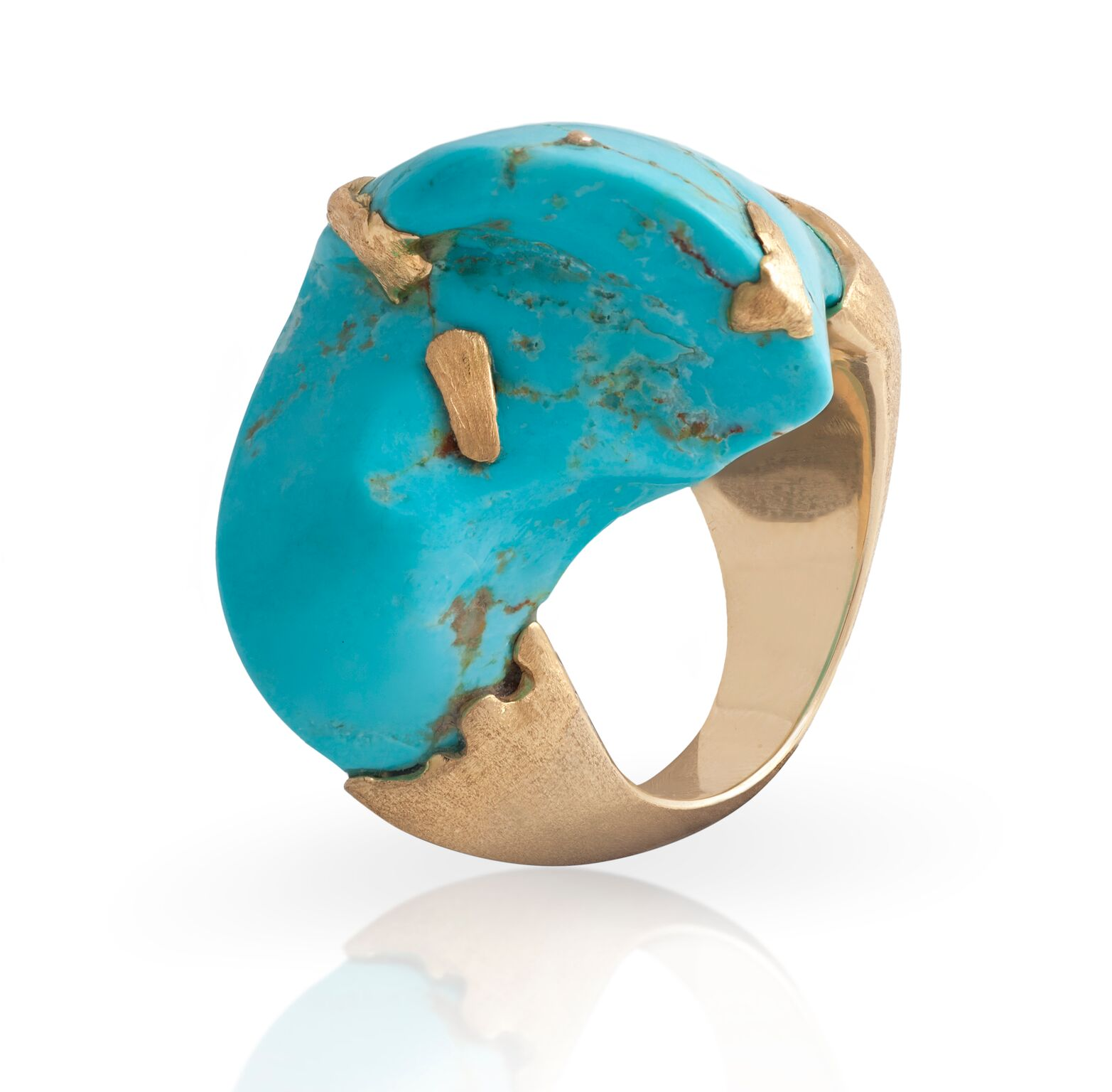 Sleeping beauty turquoise (Arizona, USA) and melted 18k yellow gold, set in a 18k yellow gold ring