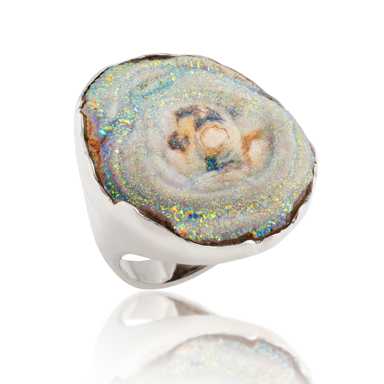Druzy quartz, set in white gold-plated silver ring